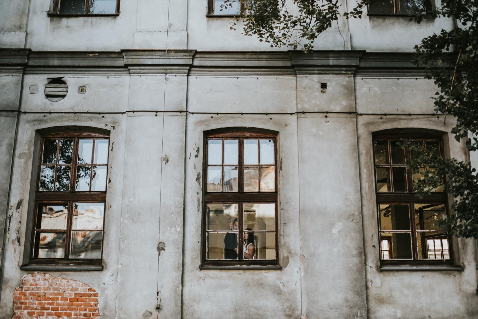 Sesja ślubna Kraków Dolnych młynów 10 Tytano Fotografia ślubna Kraków