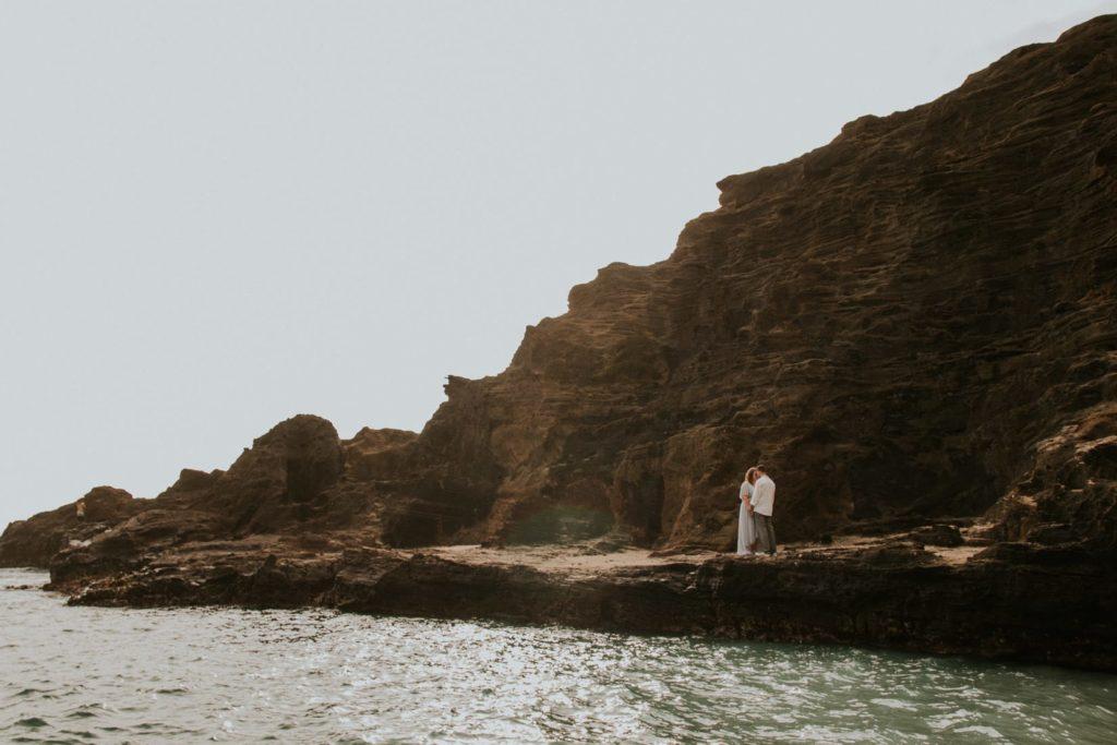 Ślub na Hawajach, halona beach cove wedding session, Hawaii wedding photographers