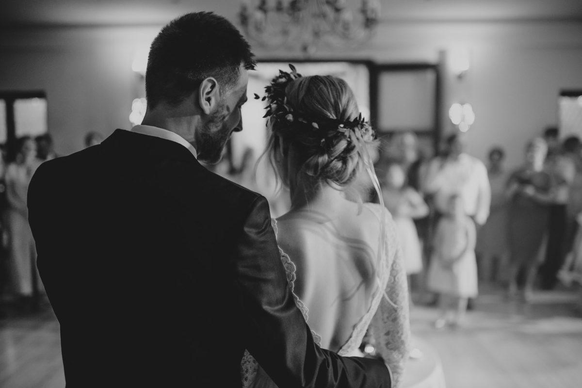 Ślub w Skalnym dworze, Ojców Skalny dwór