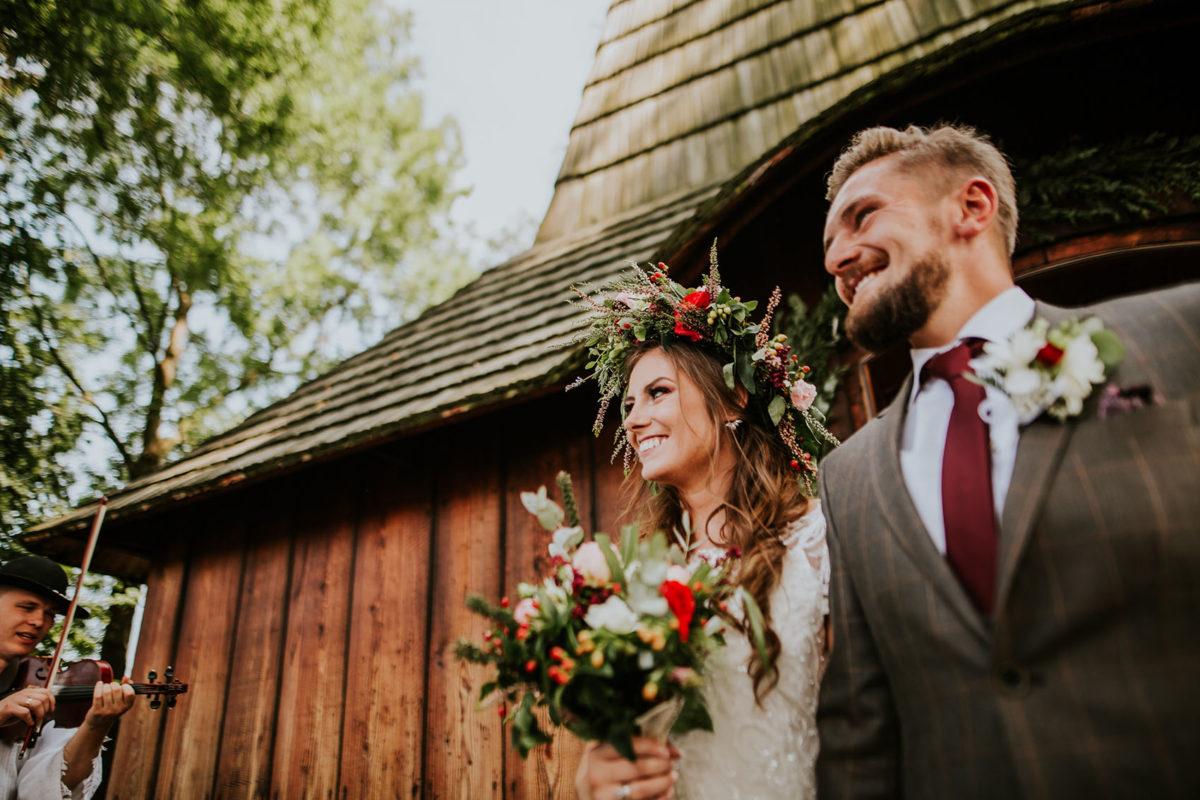 Ślub w Kościele pw. św. Michała Archanioła w Dębnie, Kościół w Dębnie, Fotografia ślubna Warszawa